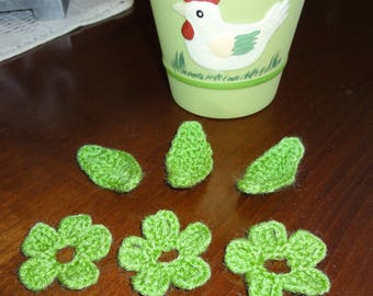 "set of three flowers and three leaves ""green"" crocheted with wool - new"