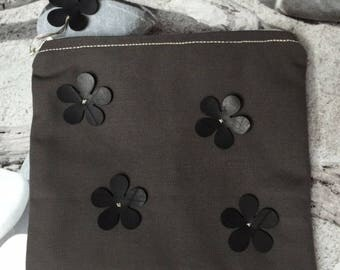Pouch flower and stars
