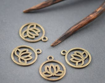 4 pcs round charms • medals • • • bronze metal 20mm lotus pattern