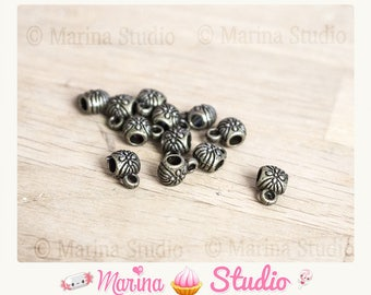 10 bronze bails with flowers engraved 9x6mm