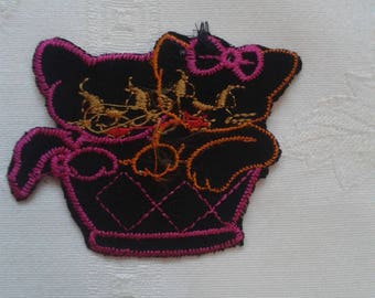 applique patch thermocollante, 2 black cats and fuchsia in a basket, stickers, patch for clothing sewing iron-on embroidery