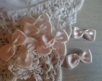 Set of 6 bows in satin