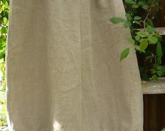 rustic linen pants model Madeleine
