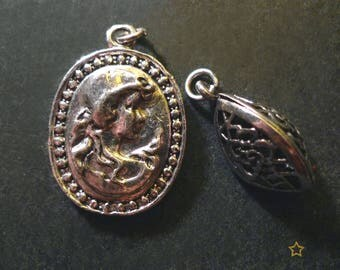 2 cameo, oval shape silver metal charms pendants