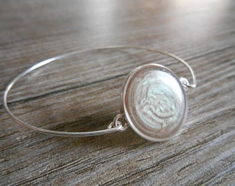 Simple silver Bangle Bracelet end and beige hues cabochon Green