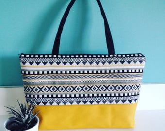 Great ethnic pattern Crossbody bag