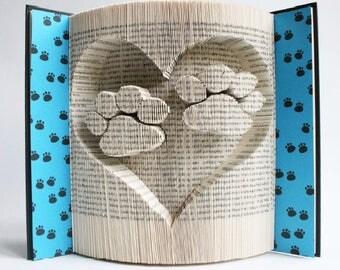 """""""Paws"""" 3D book sculpture"""