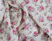 1 coupon de 45x140cm voile de coton - tissu fleuri 100% coton tons rose - bleu gris sur fond écru