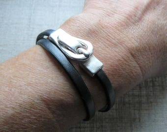 Dark matte silver leather, double twist design magnetic clasp bracelet