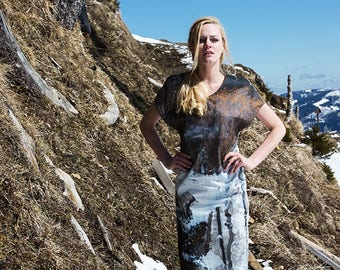 Knee-length dress with exclusive Kunstprint