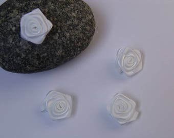 White Rose satin - 2.50 cm in diameter