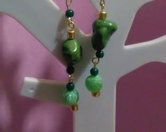 Simple stone green earings