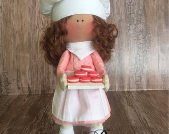 Doll with macaroons