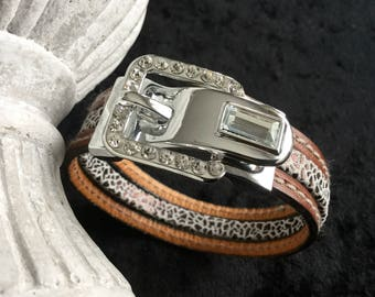 Bracelet with a jewel rhinestone Brown Leather Buckle