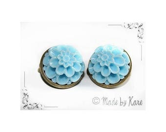 Vintage old blue Cyan Apple Vintage Cabochon resin flower cameo CLIP on earrings
