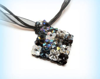 """Necklace woven graphic """"Harmony of black and grey"""" Swarovski Crystal"""