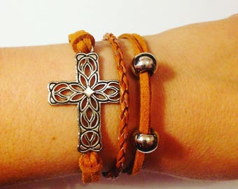 Brown men's Cross and pearl bracelet