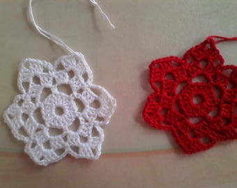 2 stars red and white crochet