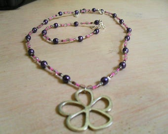 set (necklace and bracelet) colorful, summery, modern (pink and purple)