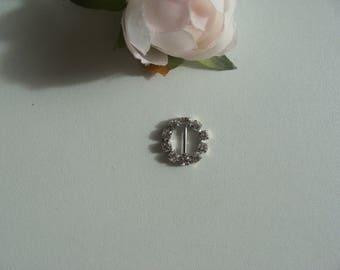 Bead width round rhinestone buckle silver