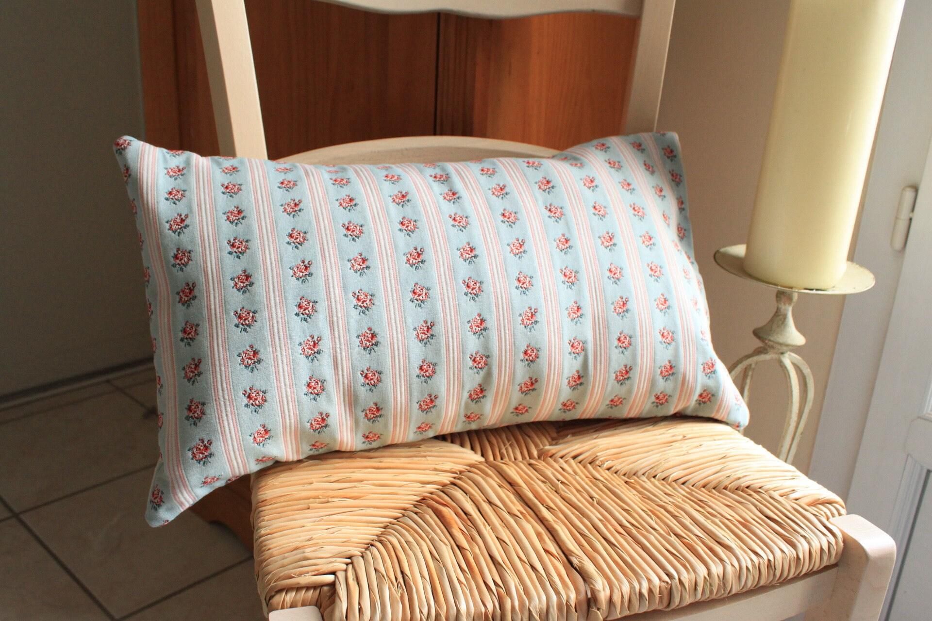 housse de coussin forme traversin motif floral ancien. Black Bedroom Furniture Sets. Home Design Ideas