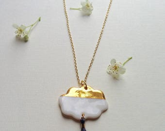 """""""Cloud tassels"""" white and gold porcelain necklace"""