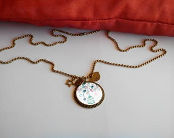 Long fashion - its 'birdcage' pendant necklace