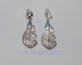 """""""Clip"""" with silver feather earrings"""