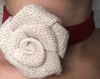 Choker with rose