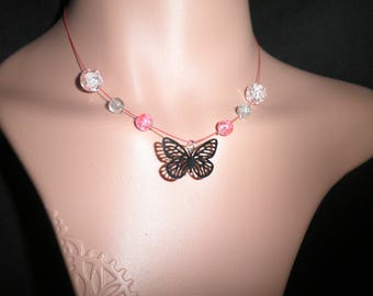 00852 - Butterflies around the neck collar.