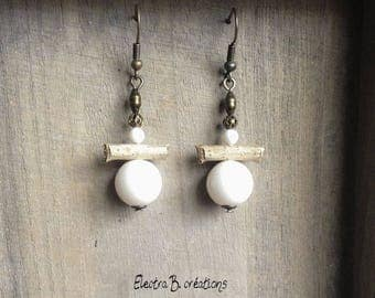 Wood and ivory short earrings