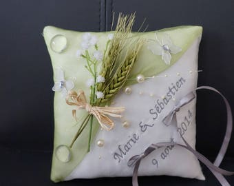 Rustic wedding ring, wheat and Butterfly pillow