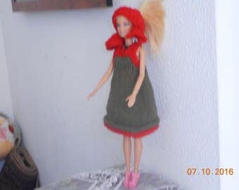 Green dress (for doll) Green sleeveless with straps lined red and shawl