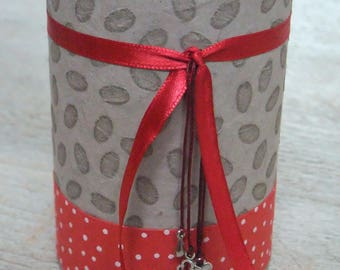 Pencil holder (No. 113) Red & taupe