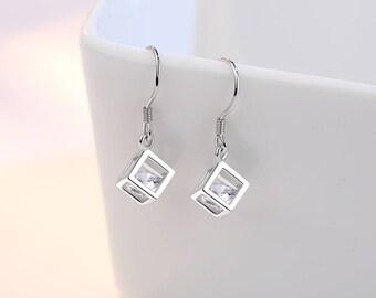 Silver Cube cz earrings , Square Cube earrings, Diamond Cube Earrings. Cube Dangle Earrings.Minimalist Dangle Earrings.