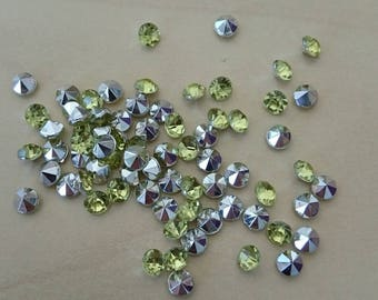 Lime green conical rhinestones 4 / 4.5 mm