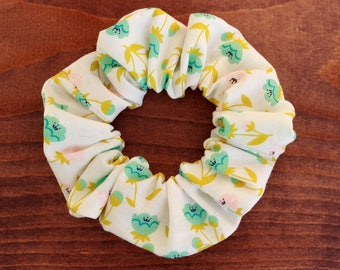 Scrunchie hair accessory, flowers, elastic / scrunchie