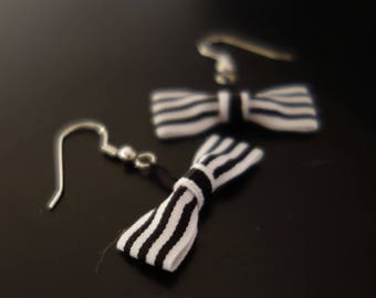 Earrings Fraisichou knot striped black and white
