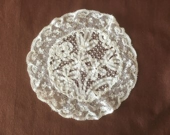 Table cloth. Antique Handmade lace doily. Vintage doily in Normandy lace. Napperon ancienne