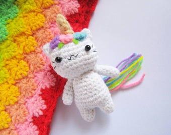 Amigurumi caticorn, unicorn keychain, amigurumi unicorn, kawaii amigurumi, amigurumi cat, cat keychain, cute bagcharm, stocking stuffer