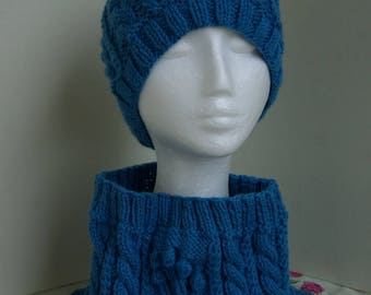 Miss Laura Glagla hat and snood set