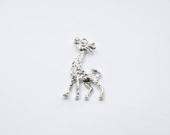 BR289 - 1 large charm in silver plated giraffe
