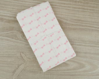Gift bags bowtie pastel pink - set of 10 - pockets in white paper 9 x 15 cm for jewelry, sweets, candy.