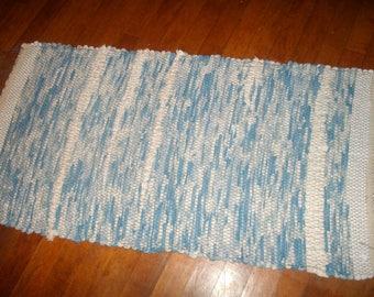rag rug blue and white loomed 1940s floor loom