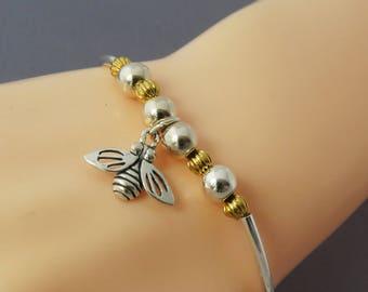 Sterling Silver Bee Bangle Bracelet, Personalized Bee Bangle, Silver Charm Bracelet, Sterling Stacking Bangle, Silver Bead Bangle Bracelet