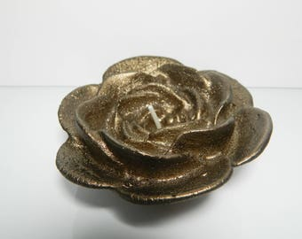 Brown bronze flower candle