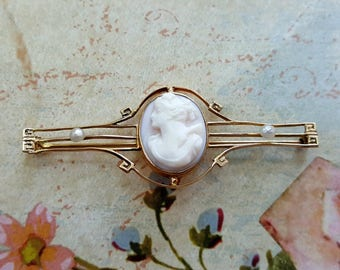 Romantic Sweet Antique VICTORIAN 10K Gold Pink Angel Skin Coral Shell CAMEO Pearl Bar Pin Brooch Mid 19th Century 1800's Shabby Pink Italy