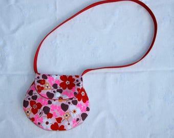 Shoulder bag for flower girl.