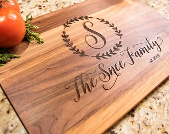 Personalized Cutting Board, Custom Cutting Board, Personalized Wedding Gift, Housewarming Gift, Anniversary Gift, Engagement Gift