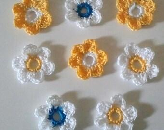 Fleurs au crochet en coton  jaunes d'or et bleu